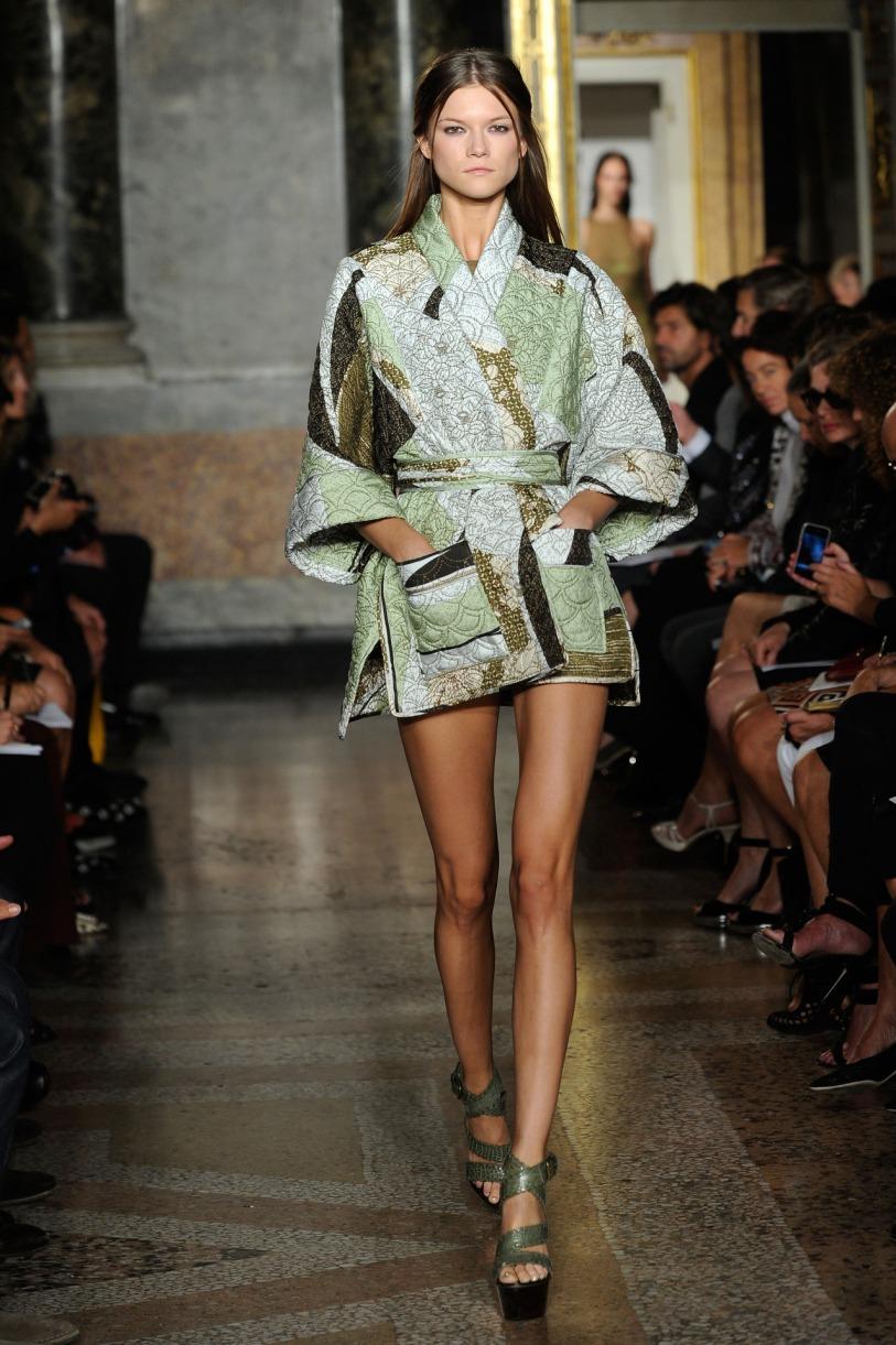 Pucci-Kimono-Catwalk