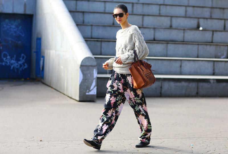 model-floral-pants
