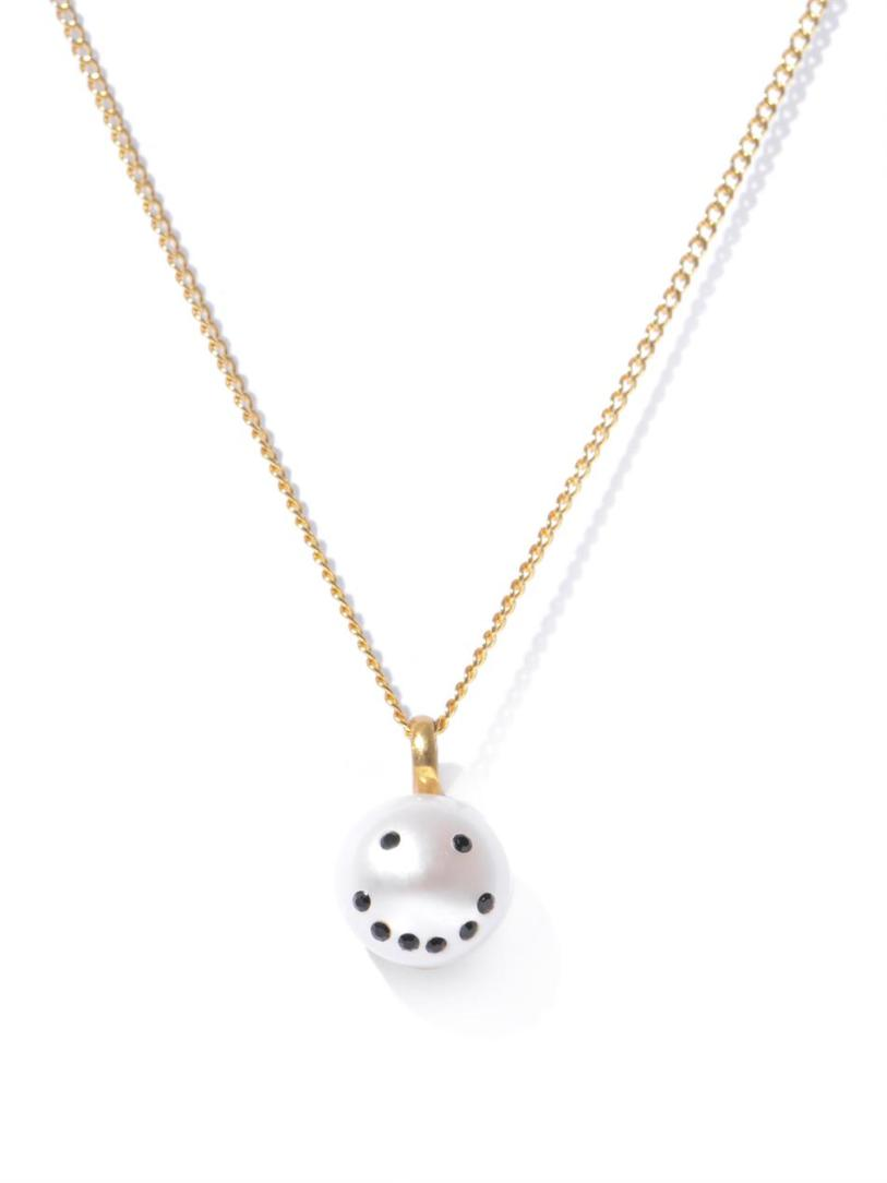 NEKTAR-DE-STAGNI-Smiley-face-pearl-necklace