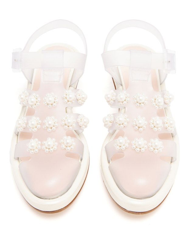 Simone-Rocha-pearl-embellished-jelly-sandals