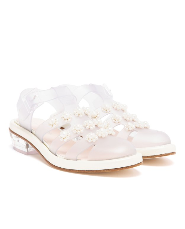 Simone-Rocha-pearl-embellished-jelly-sandals_2