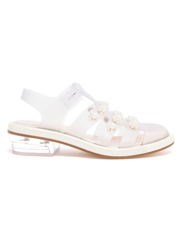 Simone-Rocha-pearl-embellished-jelly-sandals_4